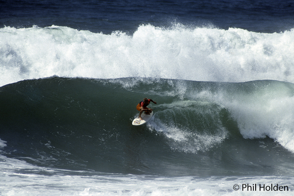 Robbie surfing hossegor