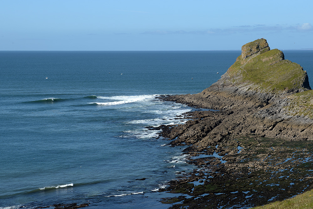 Surfing on Worms Head
