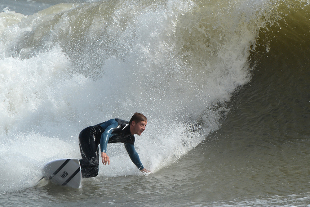 surfer bottom turn